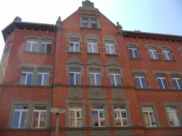 Ernst-Toller-Str. 4 (Wo 9)- 99086 Erfurt